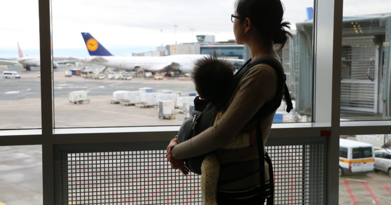 Flying with Kids: 18 Tips for surviving long flights
